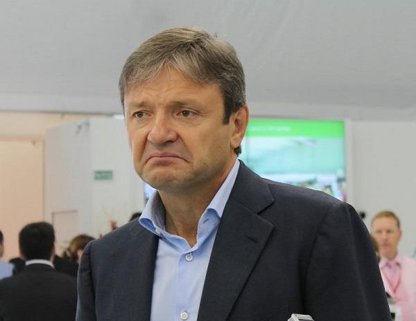 Александр Ткачев решил сократить себе зарплату на 10%