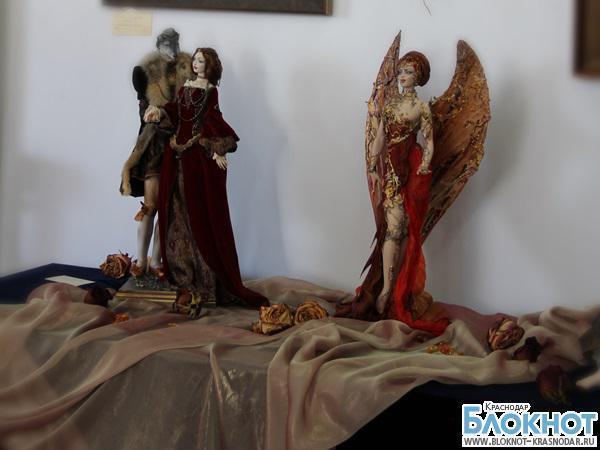В столице Кубани стартовал художественный проект «Мир женщины»