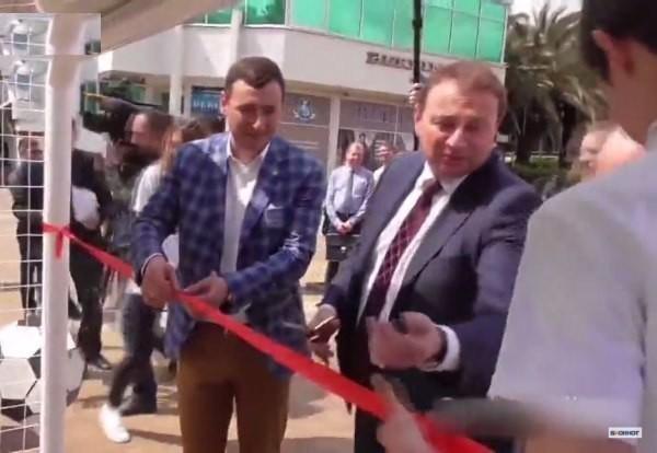 Мэр Сочи Анатолий Пахомов попробовал в автобусе и ему понравилось