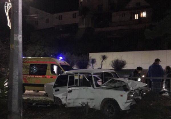 Беременную девушку госпитализировали после серьезной аварии в Сочи