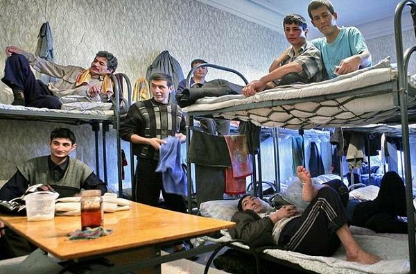 В «резиновой квартире» на Кубани были зарегистрированы 16 таджиков