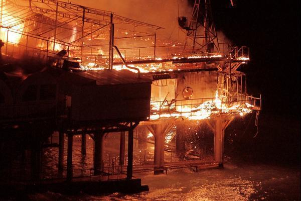 В Сочи сгорел клуб «Гавана бич» в ночь на Halloween