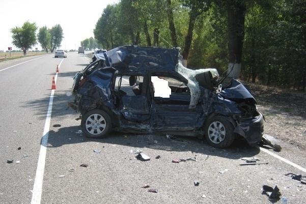 На Кубани погибла женщина-водитель «Хендай», влетевшая в «МАН»