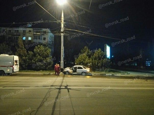 «Хитренький» водитель в Новороссийске пытался скрутить номера, которых не было, после ДТП