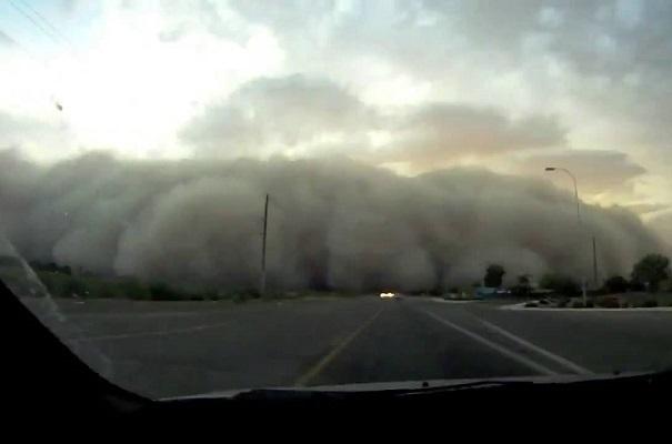 По Анапе пронеслась песчаная буря