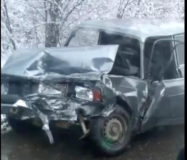 ВДинском районе при столкновении 2-х легковых машин пострадали три человека
