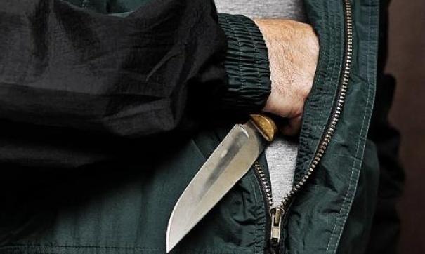 Мужчина зарезал соседа, засделанное имзамечание