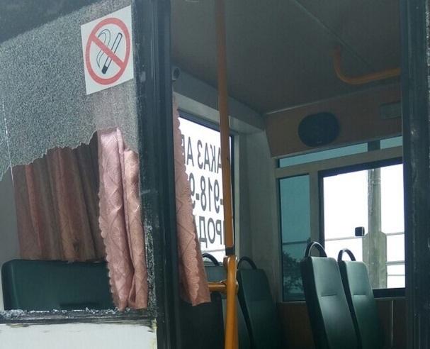 Изрезало лицо пассажирке автобуса в ДТП в Сочи