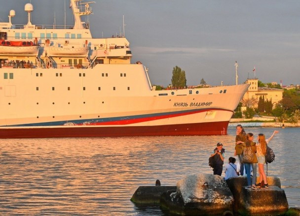 Лайнер Сочи-Крым будет высаживать пассажиров там, где захотят