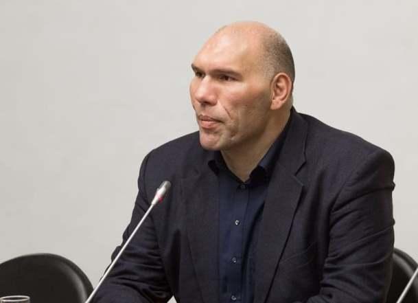 Возвращение хавбека «Краснодара» в спорт поддержал Николай Валуев