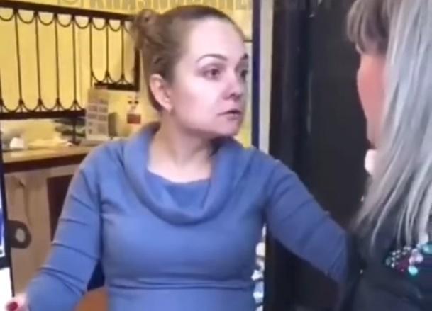 Сотрудница Почты России в Сочи устроила драку с клиенткой