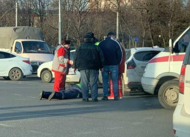 Молодой парень сбил ДПС-ника в Краснодаре