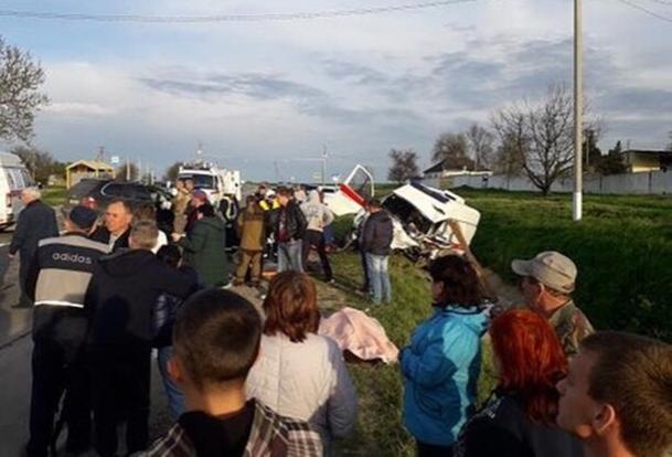 Появилось видео с места жуткого ДТП со «скорой» и BMW X5 на Кубани