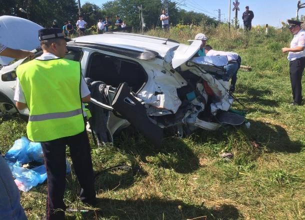 Появились новые подробности жуткой аварии на железнодорожном переезде в Майкопе
