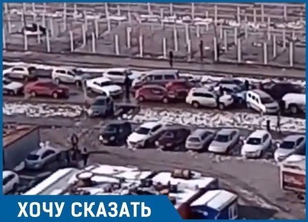 Дорога стоит: Из-за переноса рынка на одну пробку в Краснодаре стало больше