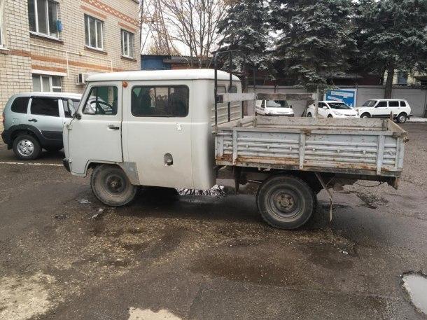 У краснодарской фирмы за долги арестовали 30 машин
