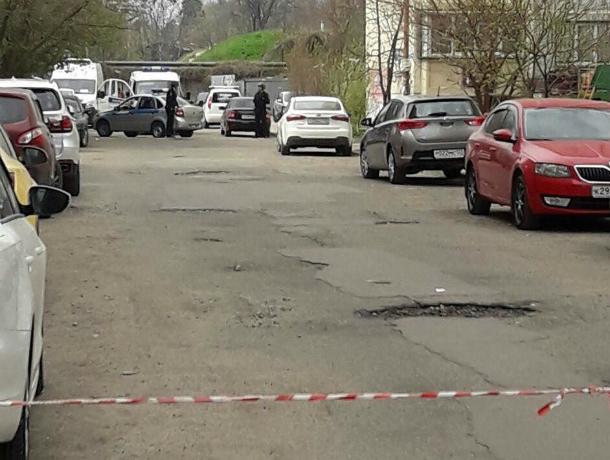 На детской площадке в Краснодаре нашли нечто похожее на взрывчатку
