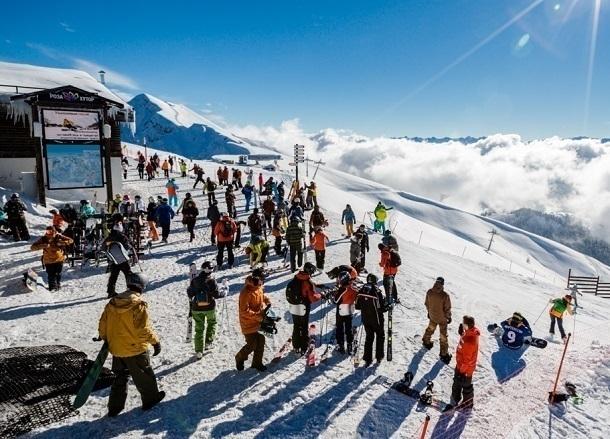 Свыше 350 тыс. туристов посетили горнолыжные курорты Сочи зановогодние каникулы