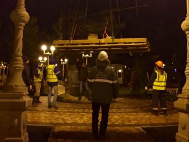 ВГеленджик привезли памятник  святого Андрея Первозванного