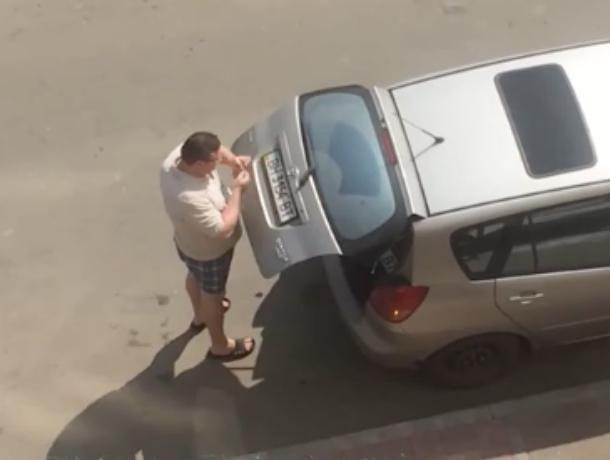 Автомобилист из Украины вынужден прятать свои номера в Краснодаре из-за страха