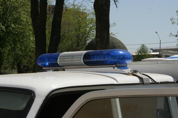 На границе Кубани задержали автомобиль с набитым сигаретами тайником