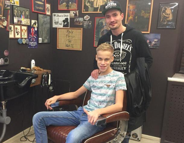 Не «побрезговали» и подстригли детей-инвалидов в барбершопе Краснодара