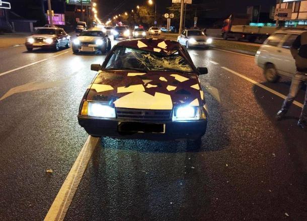 В Краснодаре легковушка сбила 19-летнего парня