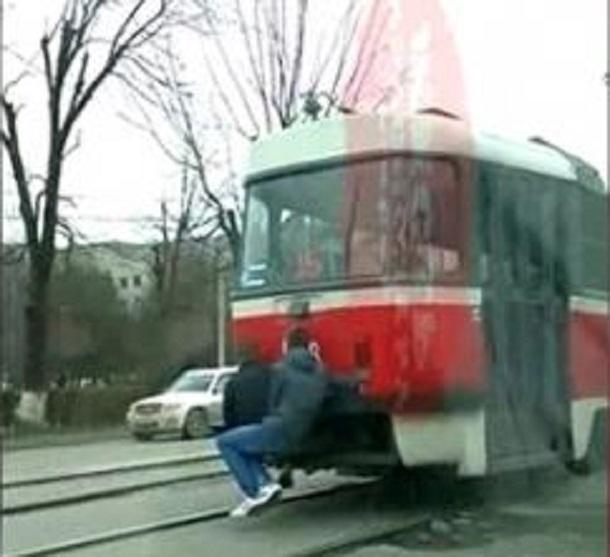 Трамвайных зайцев Краснодара разыскивает полиция