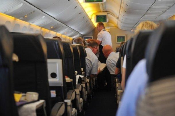 Сборта самолета ваэропорту Краснодара снова сняли нетрезвого дебошира