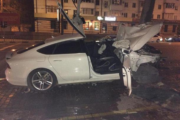 В массовом ДТП на Кубани пострадали шесть человек