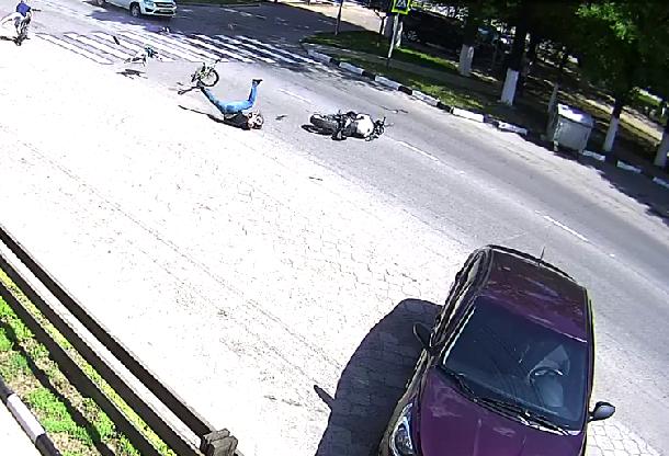 ВАрмавире байкер наполной скорости сбил ребенка