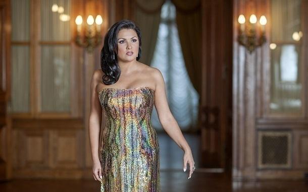 Венская опера присвоит Анне Нетребко звание камерной эстрадной певицы