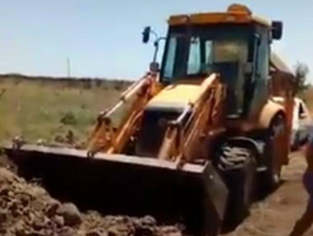 На Кубани администрация обвинила жителя в срыве сроков ремонта дороги