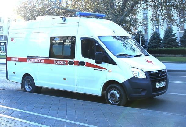 В Краснодаре под окнами многоэтажки обнаружили труп молодой женщины