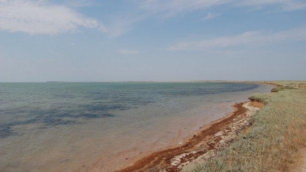 Масляное пятно образовалось в акватории Азовского моря