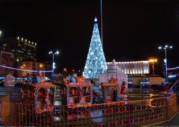 Власти Краснодара готовят главную елку размером в 60 тысяч литров оливье и семь этажей