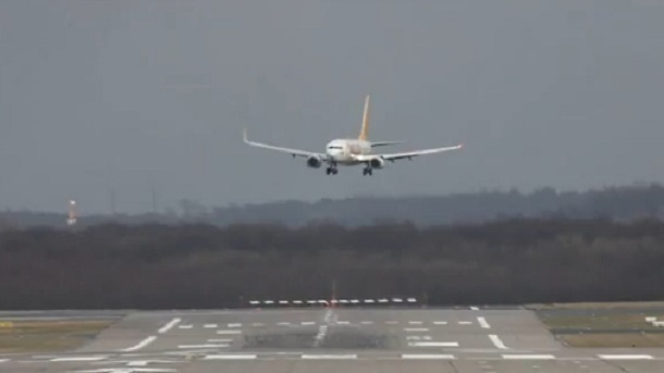 Пассажирка рейса Стамбул— Краснодар устроила дебош наборту самолета