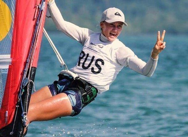 Яхтсменка изЕйска Стефания Елфутина одержала победу в интернациональных соревнованиях