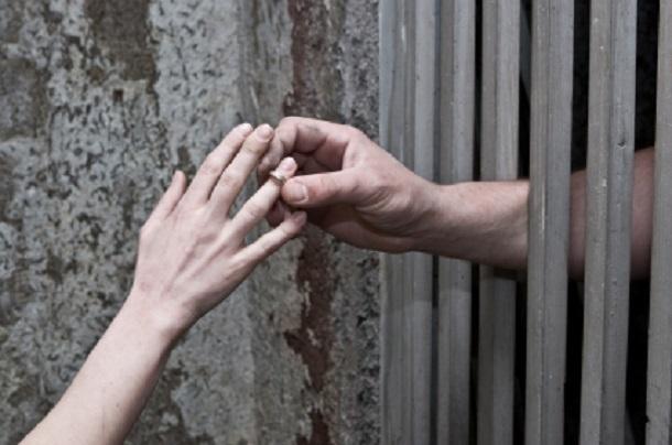 Пообещал жениться на своей жертве насильник из Краснодара