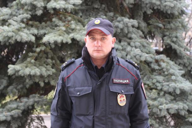 В Новороссийске полицейский спас находящегося без сознания мужчину