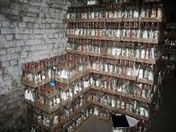 Гражданин Динского района сохранял дома 6 тыс. литров элитного алкоголя
