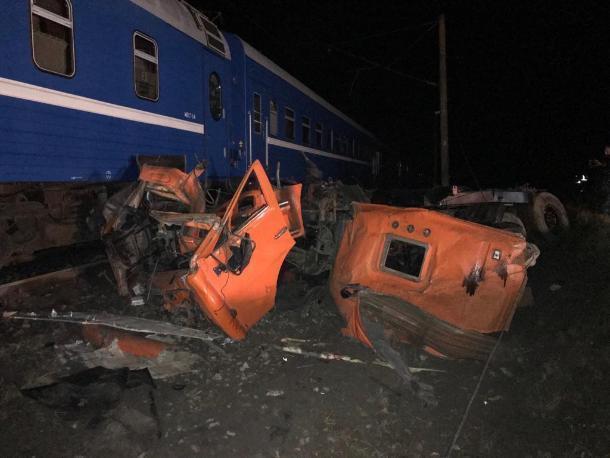 Следком начал проверку после ДТП с поездом и грузовиком на Кубани