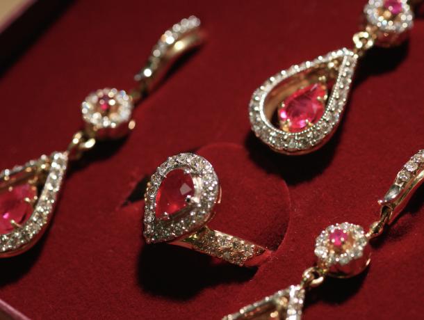 «Точно не откажет»: Здесь можно найти ювелирные изделия для вашей принцессы