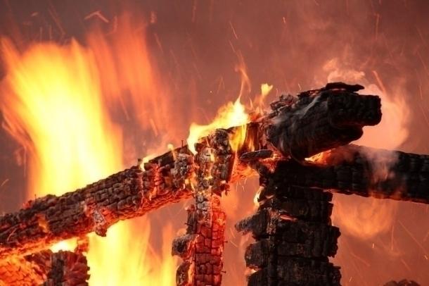 ВСочи возбудили дело после пожара вмагазине игрушек