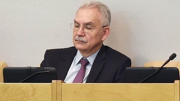Меткин уходит из Государственной думы всвязи срешением вернуться впроизводство