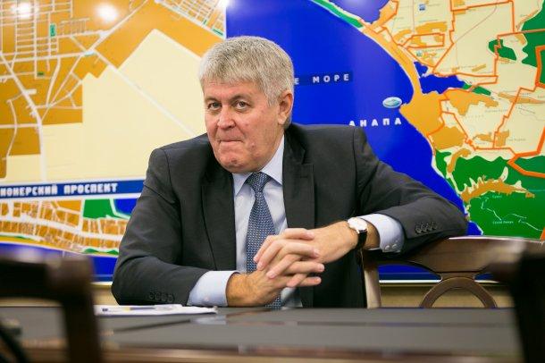 Обыск и возможная отставка стали причиной болезни, которая не позволила мэру Анапы открыть сезон