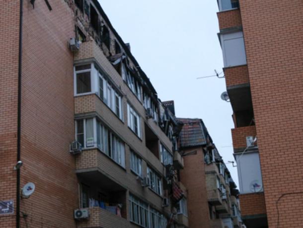 В сгоревшем краснодарском доме-самострое начался ремонт: скоро установят окна и двери
