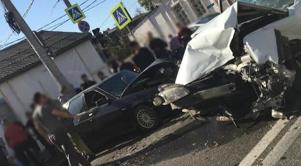 В ДТП в центре Краснодара пострадали два человека
