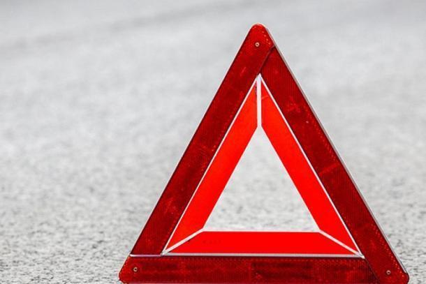 В Краснодаре мужчина погиб, врезавшись в дорожное ограждение на иномарке