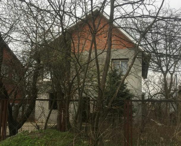 В частном доме под Краснодаром обнаружили три трупа